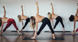 运动休闲更新换代让人麻木 lululemon欲尝试男士瑜伽
