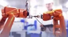 机器人引发的劳动力变革如何影响体育用品制造