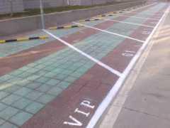 深圳地下车库划线热熔划线停车场划线承接各种车位划线